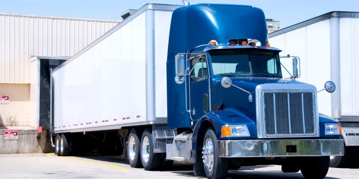 What is Drop and Hook Trucking?