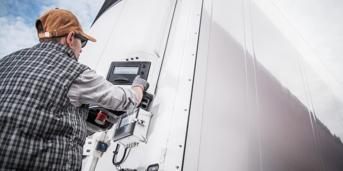 Benefits of Driving a Refrigerated Truck